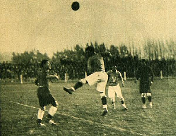 Melgar en su primer partido en Chile, cuando empató ante el combinado Everton-La Cruz (Recorte: revista Los Sports)