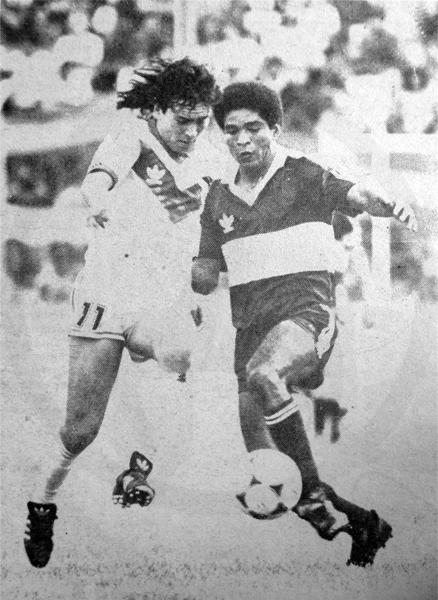 Jorge Cordero con camiseta de Gimnasia cuando enfrentó a Vélez Sarsfield en el Torneo Clausura de 1991 (Recorte: diario Ojo)
