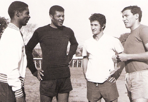 Mario Gonzales en un entrenamiento de Cerro Porteño en 1975. (Foto: Facebook)