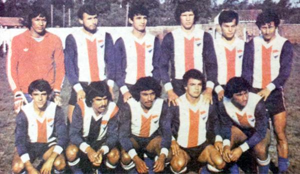 Equipo base del Nacional campeón de 1979. (Recorte: diario Hoy)