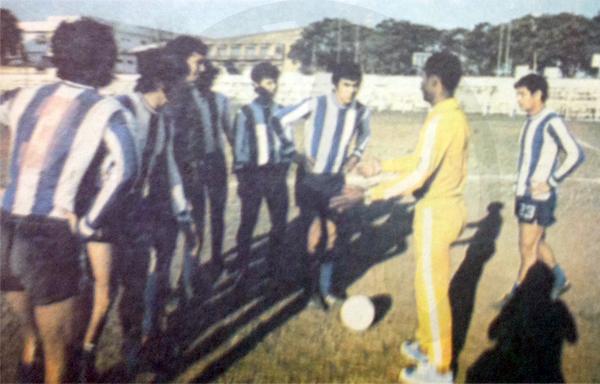 Primer día de entrenamiento de Mario Gonzales en Sol de América en 1979, solo tres días luego de haber campeonado en el ascenso con Nacional. (Recorte: diario Hoy)