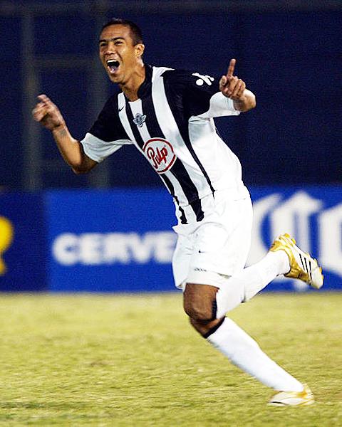 Después de su paso por Libertad, Hidalgo pasó al Internacional de Porto Alegre. (Foto: Getty Images)