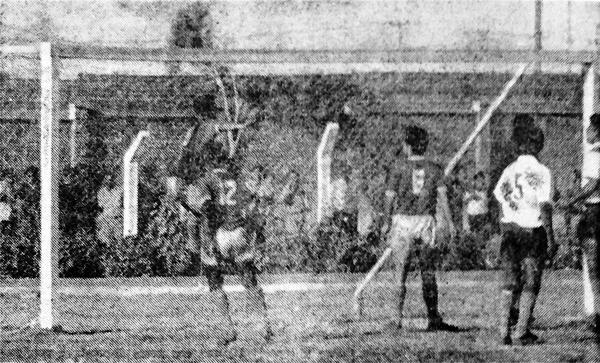 En la despedida de Varacka, Porvenir Miraflores derrotó a Municipal en Pisco. (Recorte: diario La Crónica)