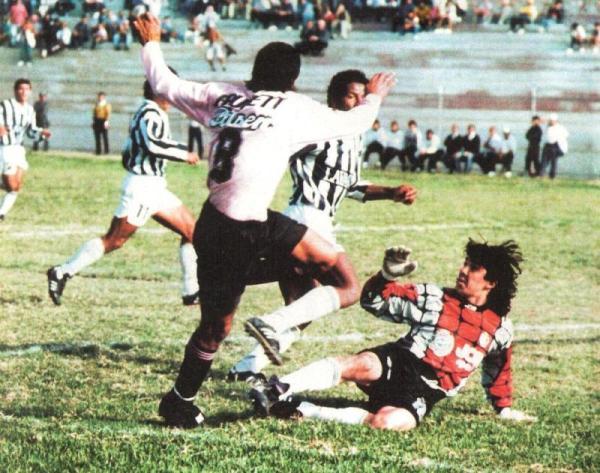 Paso en falso en su visita al Boys: Ciclista sucumbió por 2-1 en El Callao y puso en riesgo su acceso a la Pre-Liguilla (Recorte: revista Estadio)