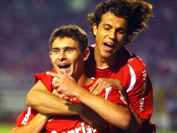 Nilmar y Alex, la dupla goleadora del 'Colorado' en la Sudamericana (Foto: globoesporte.com)