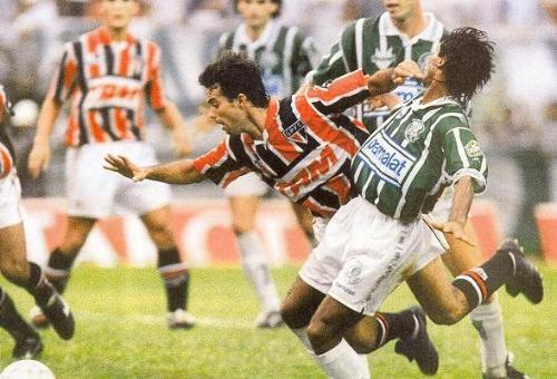 Palhinha, quien luego jugaría en Cristal y Alianza, fue un refuerzo clave para Sao Paulo en 1993 (Foto: acervotricolor.br)