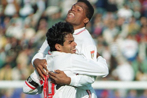 Raí y Muller: el abrazo de dos piezas capitales del mejor Sao Paulo de la historia (Foto: taringa.net)