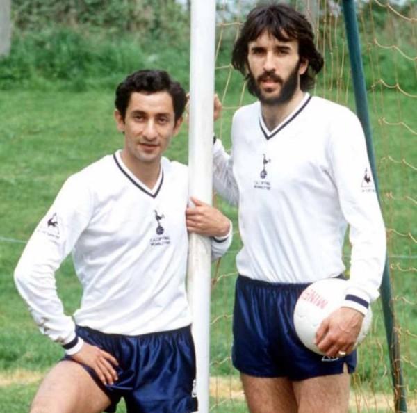 Osvaldo Ardiles y Julio Villa, dos argentinos que marcaron época en el Tottenham de los ochenta (Foto: fotolog)