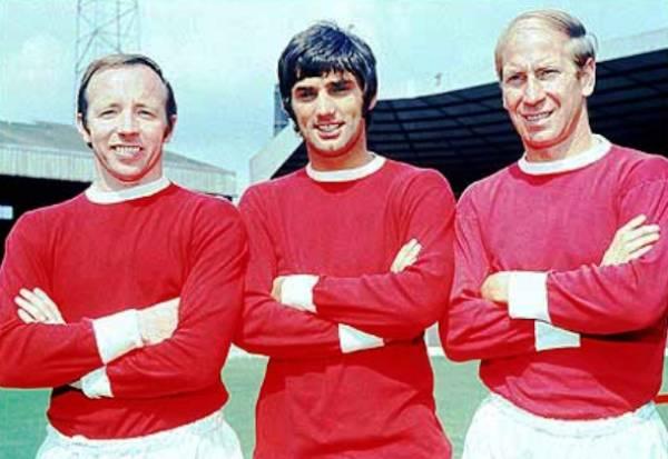 Nobby Stiles, George Best y Bobby Charlton, los máximos exponentes del Manchester United campeón de la Copa de Europa en la temporada 1967/1968 (Foto: AFP)