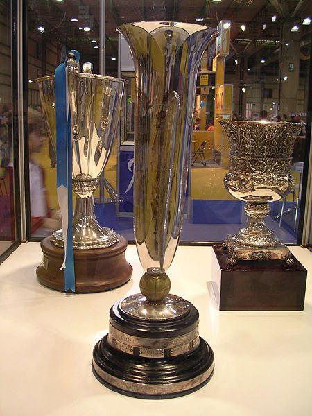 La Copa de Ferias está en las vitrinas del FC Barcelona, ya que cuando la competición desapareció para ser sustituida por la Copa de la UEFA, se decidió que la entrega en propiedad del trofeo se haría al vencedor del partido entre su primer ganador, el Barcelona, y el último, el Leeds United. (Foto: wikimedia.org)
