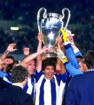 El triunfo del Porto lo convirtió en el segundo equipo portugués en lograrlo tras el bicampeonato del Benfica en los sesentas (Foto: Picasaweb).