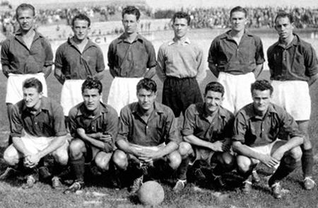 Equipo del Stade de Reims durante la temporada en la que obtuvo su primer título (Foto: pari-et-gagne.com)