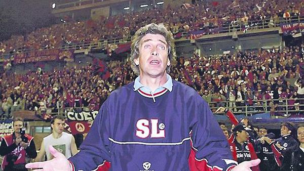 Luego de sus exitosos pasos en la Universidad Católica y LDU, Manuel Pellegrini llegaría a San Lorenzo para suplir a Ruggeri (Foto: diario Clarín)