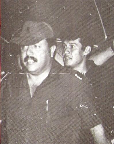 Llegando al Nacional para jugar su primer clásico con la 'U'. Tuvo que tener un fuerte resguardo policial (Foto: revista Estadio)