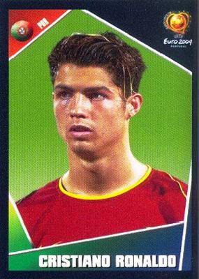 Un jóven Cristiano Ronaldo aparece con el cromo 33 en esta colección (Cromo: Álbum Panini, Euro 2004)