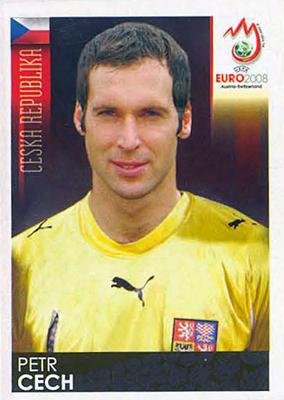 Así lucía el buen portero checo antes del accidente en la Premier League que lo obligó a usar en cada partido un casco protector (Cromo: Álbum Panini, Euro 2008)
