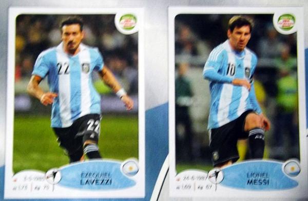 Ezequiel Lavezzi y Lionel Messi, dos de las figuras de la selección argentina que lidera las Eliminatorias en Sudamérica (Cromo: Editorial Panini)