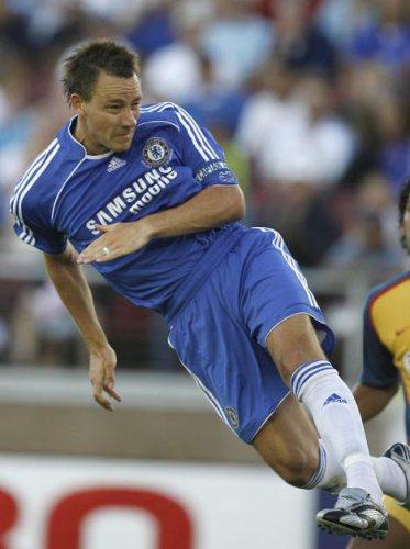 Terry, presencia infaltable en la zaga del Chelsea (Foto: dailymail.co.uk)