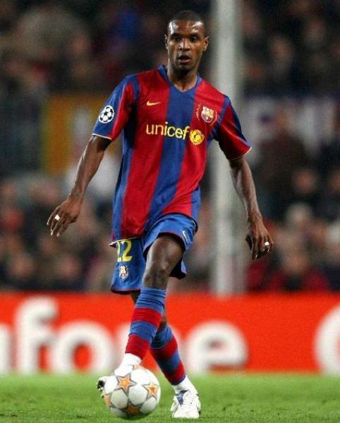 Eric Abidal se adueñó del carril izquierdo del Barcelona en poco tiempo (Foto: sport24.com)