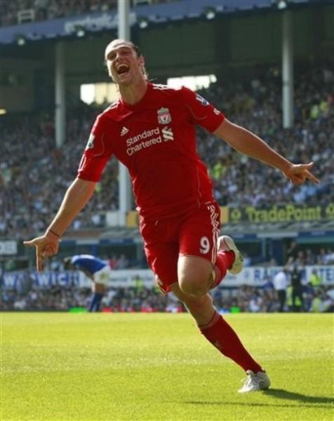 Carroll suele gritar varios goles con la roja del Liverpool. (Foto: AP)