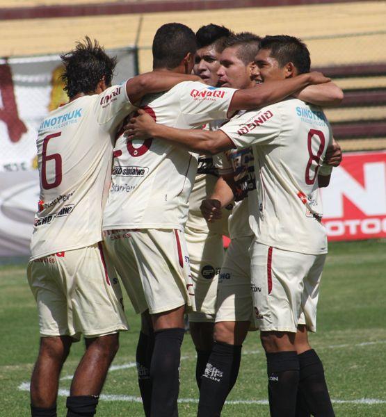 Pando por ahora solo ha gritado goles ajenos con la camiseta crema de León. (Foto: Jesús Suárez / DeChalaca.com)