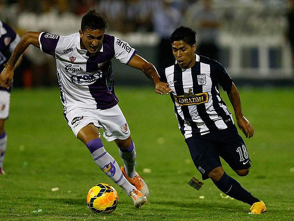 Willyan Mimbela jugando por el club de sus amores, Alianza Lima (Foto: Andina)