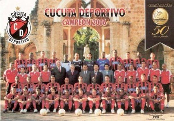 Cúcuta Deportivo también hizo historia en el fútbol colombiano, al conseguir el título en 2006  luego de haberse adjudicado el campeonato en el torneo de ascenso cafetero un año antes (Foto: darioascencio.wordpress.com)