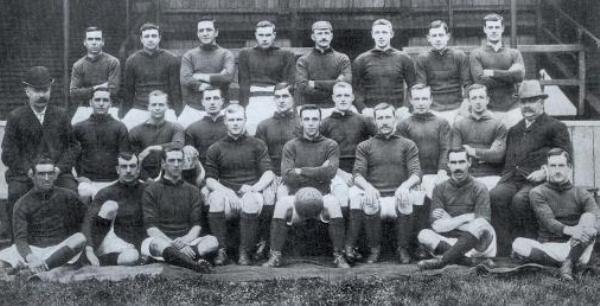 En la lejana temporada 1905-1906, Liverpool consiguió lo inimaginable con este plantel (Foto: lfchistory.net)