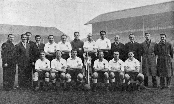 Tras campeonar en el ascenso, Tottenham Hotspur tuvo un inicio duro en la Football League, pero al término de la temporada 1950-1951 se quedó con el título (Foto: oleole.com)