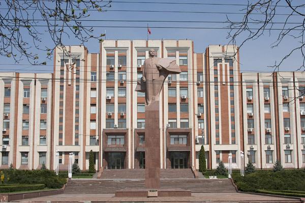 La ciudad tuvo una fuerte influencia soviética, algo que la diferencia del resto del país (Foto: AFP).