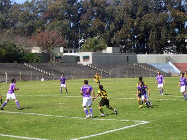 El estadio alberga de forma regular encuentros de diversas categorías juveniles del fútbol uruguayo (Foto: noticiasmanyas.com)