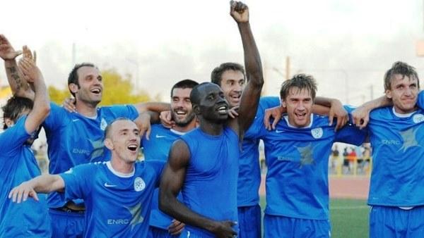 En 2011, el Irtysh Pavlodar protagonizó el primer gran logro europeo del fútbol kazako al pasar la primera eliminatoria de la fase de clasificación a la Copa de Europa. Así lo celebró. (Foto: uefa.com)