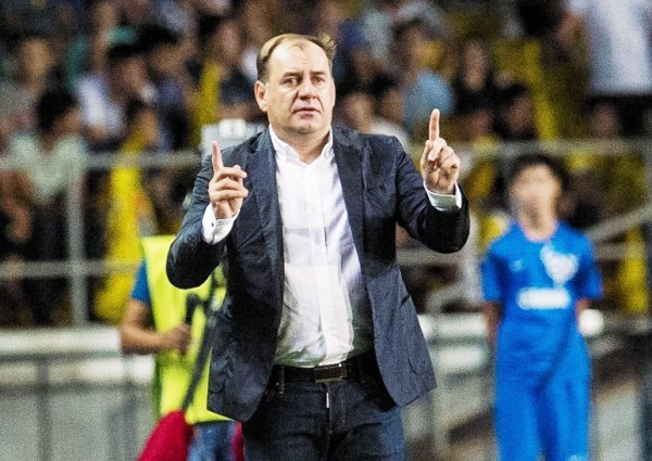 El eslovaco Wladimir Weiss da la contra en el fútbol kazako y dirige al Kairat Almaty, club financiado por capitales privados, a diferencia de la mayoría de ese país. (Foto: pressandjournal.co.uk)