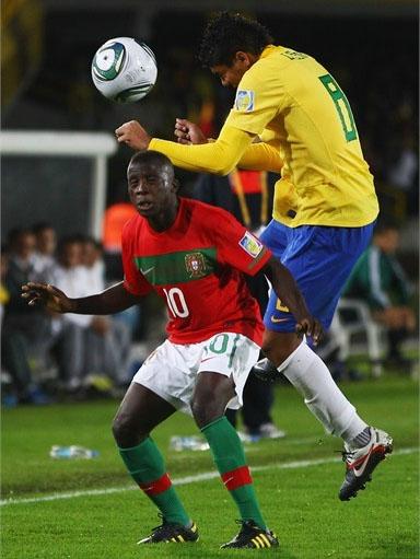 Brasil y Portugal disputaron una final con bastante fútbol y que el %u2018Scratch%u2019 terminó por llevarse con un apretado 3-2.(Foto: AFP)