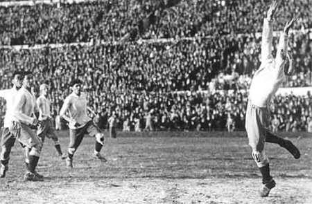 Foto: Historia Mundial del Fútbol, editorial Océano