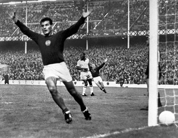 El haber clasificado y dirigido a la selección de su país en la Copa del Mundo fue un gran motivo para traer a Lajos Baroti al Perú (Foto: futbol.hispavista.com)