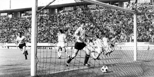 El grito celeste tras el gol de Mugica, el segundo de la tarde. (Foto: Pinterest)