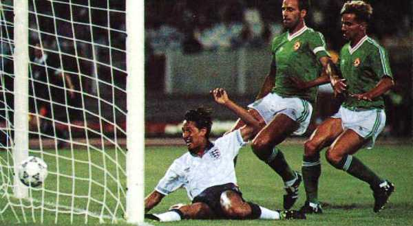 Gol de Gary Lineker en el Inglaterra 1 - Irlanda 1 de Italia 1990. Aquel fue el último 1-1 en el debut mundialista de una selecicón europea (Foto: world-cup-betting-me.uk)