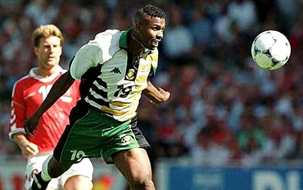 El debut de Sudáfrica en los mundiales fue llamativo por el uniforme que presentó (Foto: telegraph.co.uk)