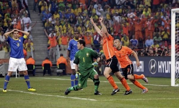 PARA TOMARSE LA CABEZA. Lo de Brasil fue increíble: tenía todo para ganar en la primera fracción, pero se dejó estar por los tulipanes en la complementaria y quedaron al margen del Mundial (Foto: AP)