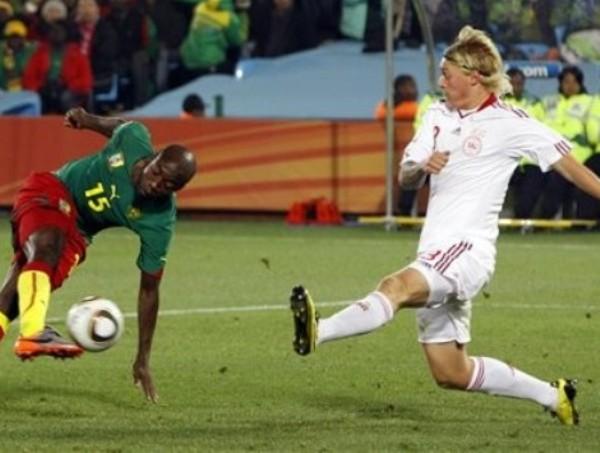 NO TE CAIGAS PUES WEBO. Pierre Webó estuvo lejos de ser una buena alternativa en el ataque (Foto: AP)