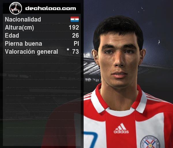 El 'Tacuara' Óscar Cardozo estuvo enchufado en el partido y, por si fuera poco, convirtió el tanto que le otorgó el triunfo a su selección (Imagen: PES Edit / Edición: Peru Evolution Soccer)