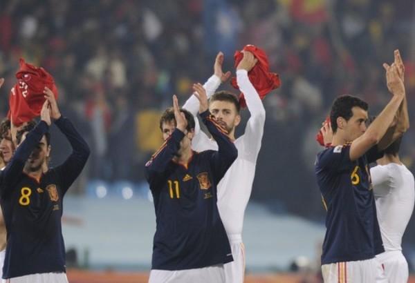 SE SUFRIÓ, PERO SE CUMPLIÓ. Tras su inesperado traspié en el debut, España fue blanco de las críticas. Empero, ya las silenció luego de dos victorias y su posterior clasificación a Octavos. Ahora se le viene Portugal (Foto: REUTERS)