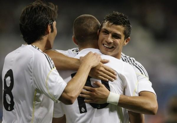 Kaká, Benzema y Ronaldo: tres fichajes estrella de la temporada -y del Madrid- (Foto: Reuters)