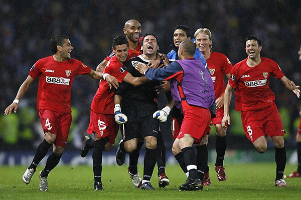 La Copa UEFA nuevamente. En 2007, se impuso a Espanyol con un Palop impecable (Foto: Reuters)