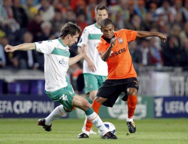 El Werder Bremen de Claudio Pizarro disputó la final de la Copa UEFA en 2009. Su posicionamiento en la final ayudó a aumentar el coeficiente de la Bundesliga a nivel europeo. (Foto: AFP).