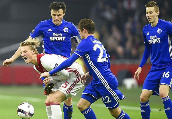 Ajax tuvo una difícil serie ante Copenhague. (Foto: AFP)
