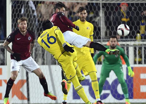 El Rostov no salió a especular ante el Sparta Praga y lo aplastó por 4-0. (Foto: AFP)