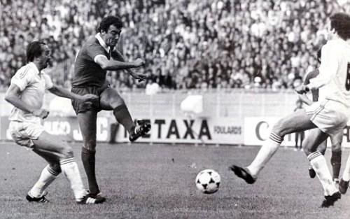 Un gol en los últimos minutos le dio a Liverpool el título de la Champions sobre el Real Madrid en 1981 (Foto: rojadirecta.es)