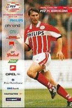 Programa oficial del PSV 2 - Barcelona 3 de la Champions League 1995-1996 (Recorte: pinspenyes.com)